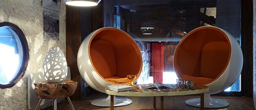 france_portes_du_soleil_avoriaz_hotel-des-dromonts_living-room.jpg